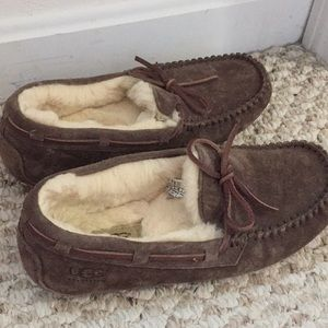 Size 7 Ugg Slippers in Brown